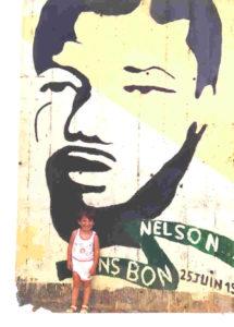 fresque de la JC, cité Yves Farge à Bègles, 25 juin 1989. Au premier plan, Elsa Maurin.