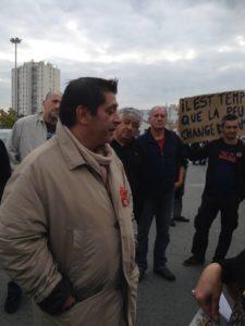 Avec mes camarades communistes, nous avions soutenu les salariés du Leclerc du cours Saint-Louis, en octobre dernier.