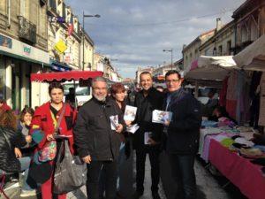 Mercredi, au marché de Bègles, avec Christine Texier et Nabil Enahdji, candidats Front de gauche...